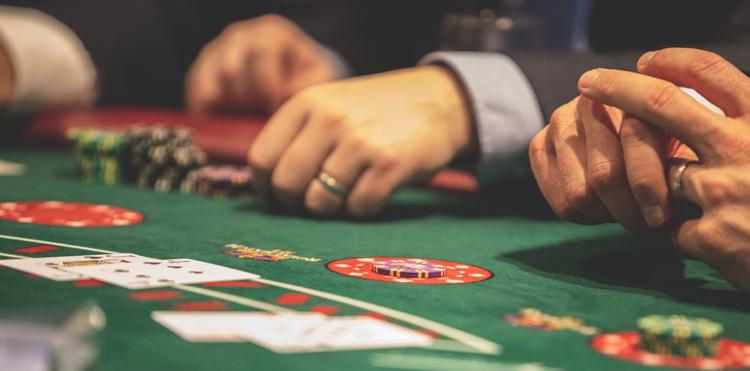postitse kuva Urheiluvedonlyönti – Onko Se Parempaa kuin Kasinopelit Mitkä Kasinopelit - Urheiluvedonlyönti – Onko Se Parempaa kuin Kasinopelit?